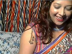 Bangladeshi bangla gorgeous perfect aunty mamma online cam act massive mambos deal